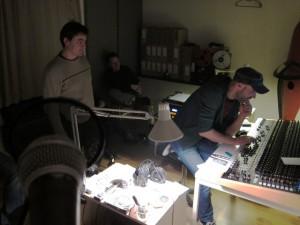 Mondän: FuFK im Studio